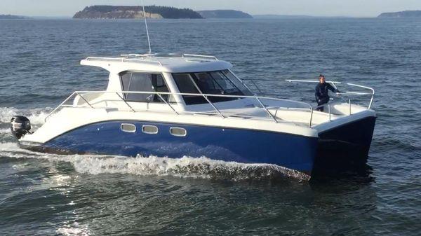 Endeavour Catamaran 340