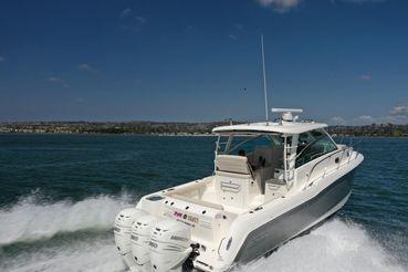 2020 Boston Whaler 345 Conquest