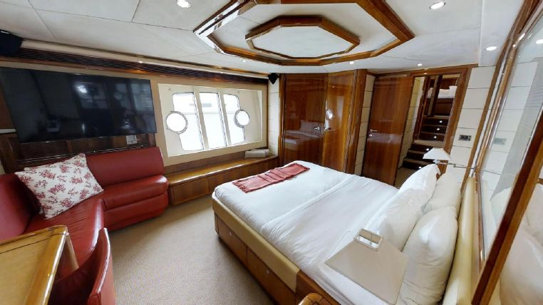 2006 Ferretti Yachts Broker Connecticut