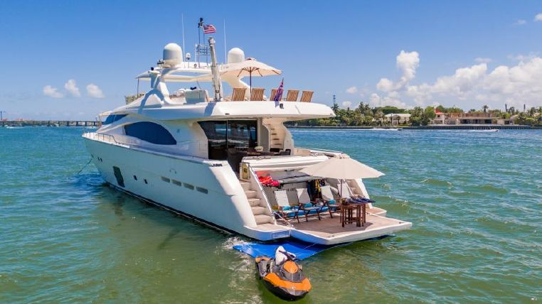 2006 Ferretti Yachts Buy Broker