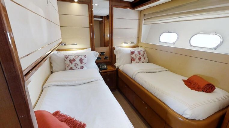 2006 Ferretti Yachts For Sale Broker