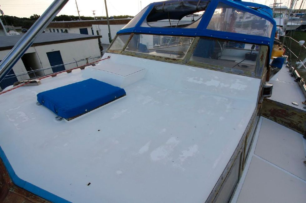 1975 Cheoy Lee Offshore 53 Ketch - Cheoy Lee 53 Offshore Deck
