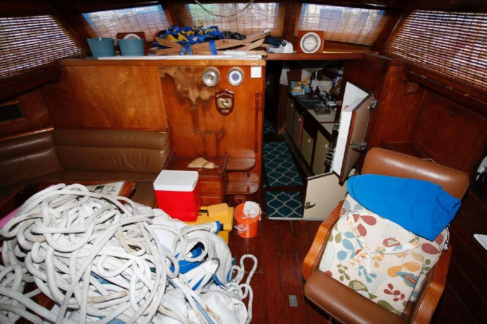 1975 Cheoy Lee Offshore 53 Ketch - Cheoy Lee 53 Offshore Salon