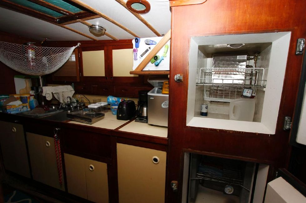 1975 Cheoy Lee Offshore 53 Ketch - Cheoy Lee 53 Offshore Galley