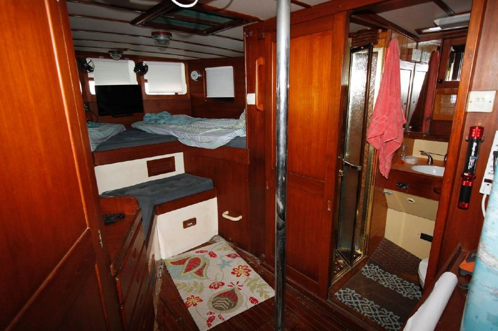 1975 Cheoy Lee Offshore 53 Ketch - Cheoy Lee 53 Offshore Master Stateroom