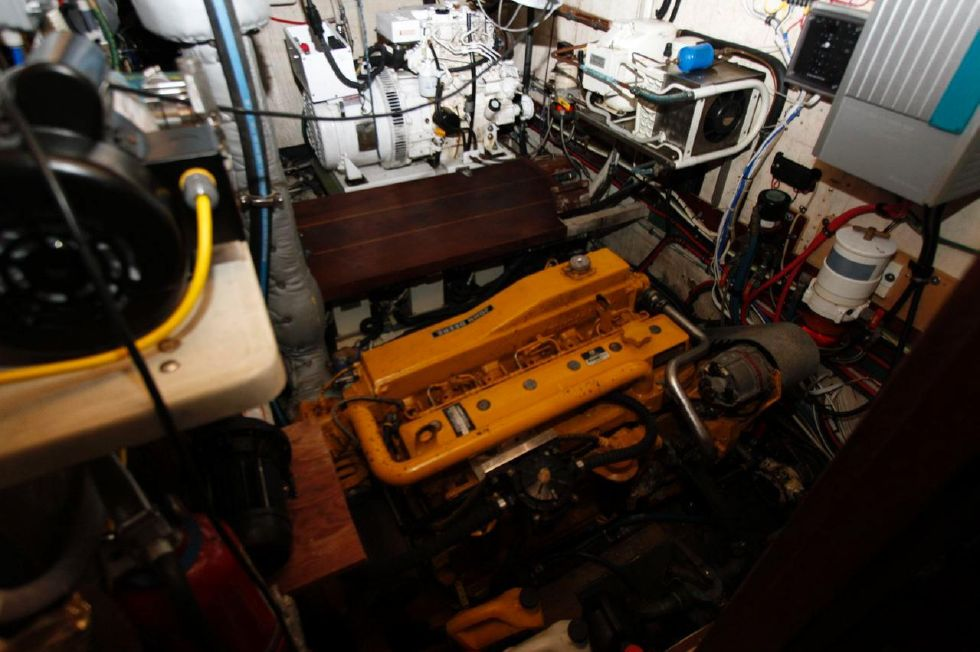 1975 Cheoy Lee Offshore 53 Ketch - Cheoy Lee 53 Offshore Engine Room