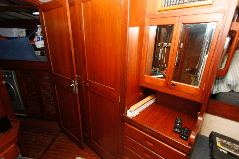 1975 Cheoy Lee Offshore 53 Ketch - Cheoy Lee 53 Offshore Master Closets