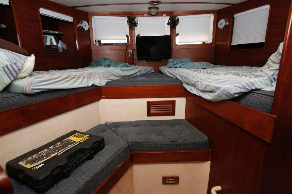 Cheoy Lee 53 Offshore Master Berth