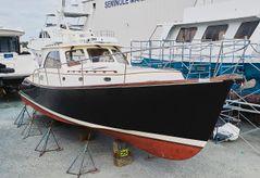 2005 Hinckley Talaria 44