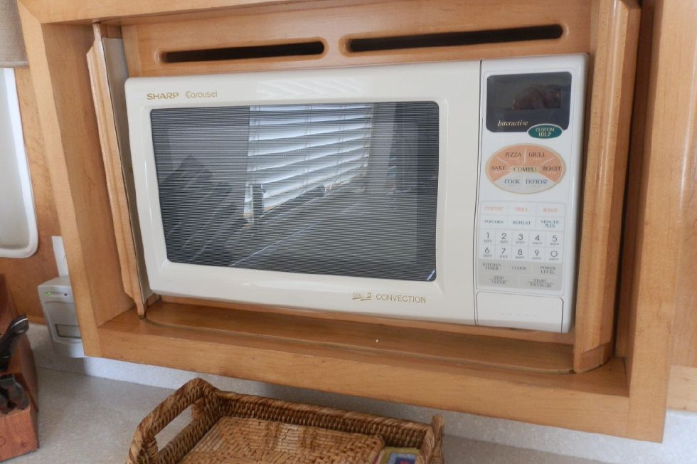 MICRO WAVE / CONVECTION OVEN