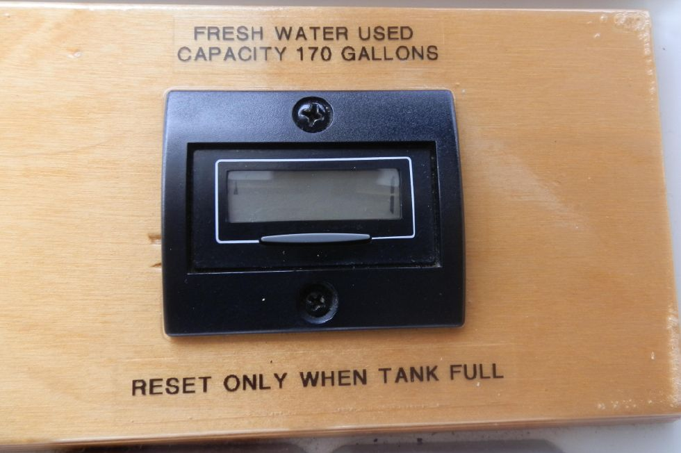 FRESH WATER TANK MONITOR