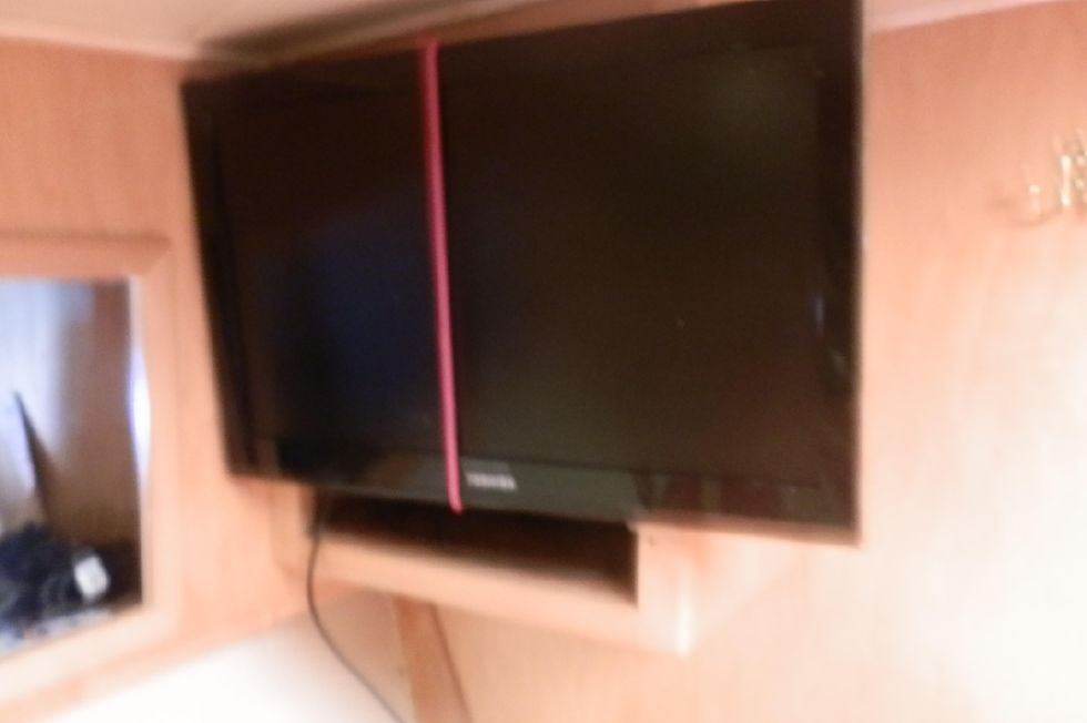 "21"" FLAT SCREEN TV FORWARD STATEROOM"