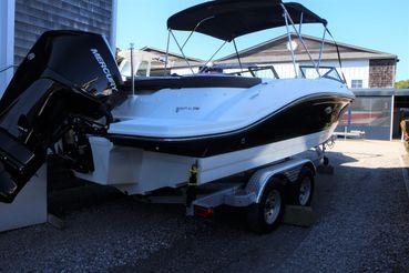 2021 Sea Ray 210 SPX