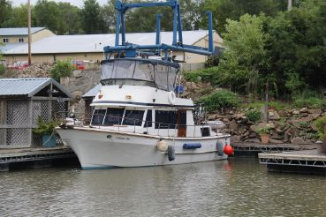1983 United Ocean 38 Double Cabin Trawler