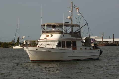 1983 Marine Trader Double Cabin