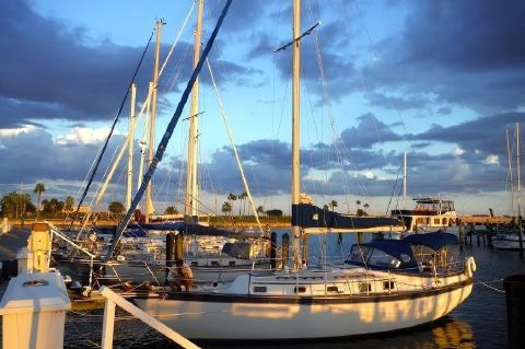 1980 Endeavour 37 Plan B Sloop