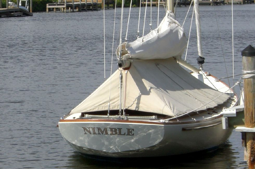 2003 Herreshoff Alerion 26 - Stern under cover at dock