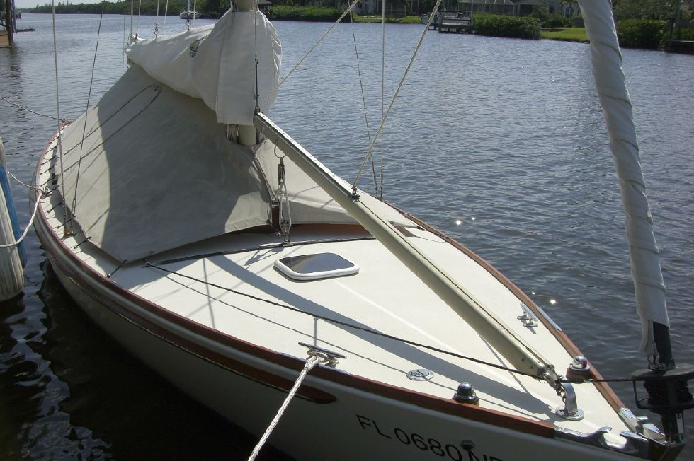 2003 Herreshoff Alerion 26 - Under cover at dock