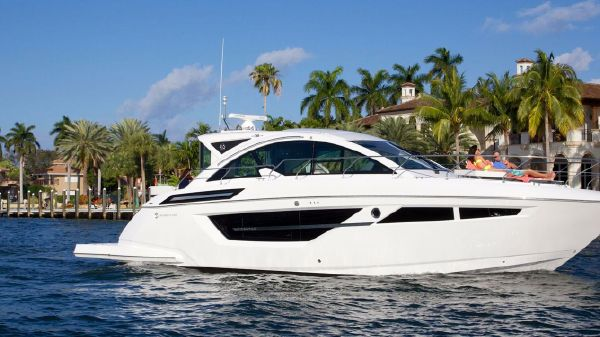 Cruisers Yachts 50 Cantius Starboard Side