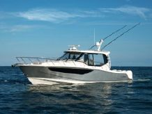 2020 Boston Whaler 405 Conquest