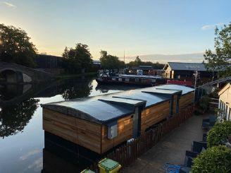 2019 Barge Houseboat Accommodation