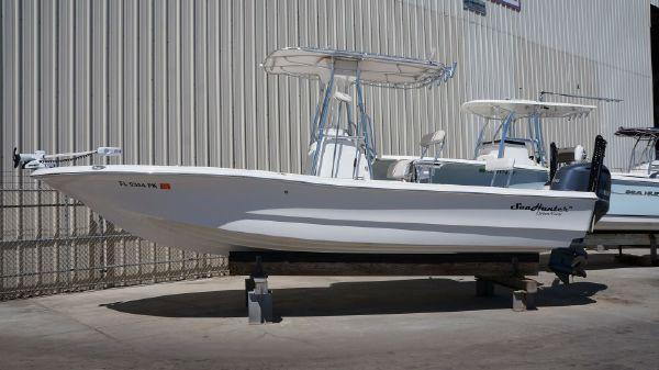 Sea Hunter 24 Bay