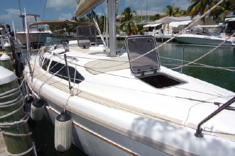 1996 Hunter 336 No Hurricane Damage - Hunter 336