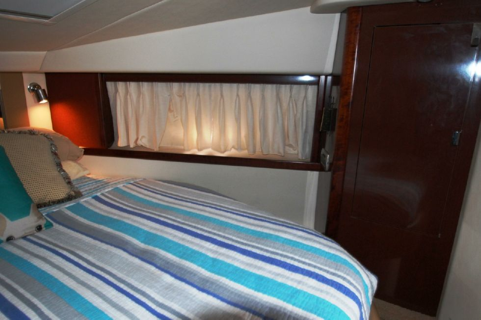 Master berth looking starboard