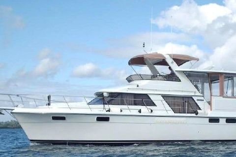 1988 Carver 4207 - 1988 Carver 4207 Aft Cabin Motor Yacht underway