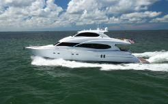 2006 Lazzara Yachts 80 Skylounge