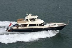 2022 Hunt Yachts Ocean 76 Flybridge