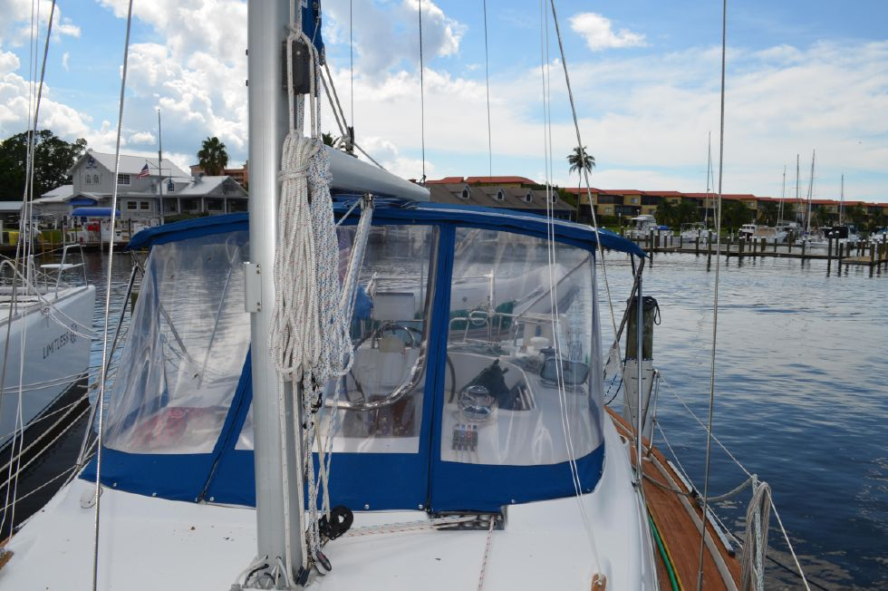 Beneteau 36 CC Mast and Dodger