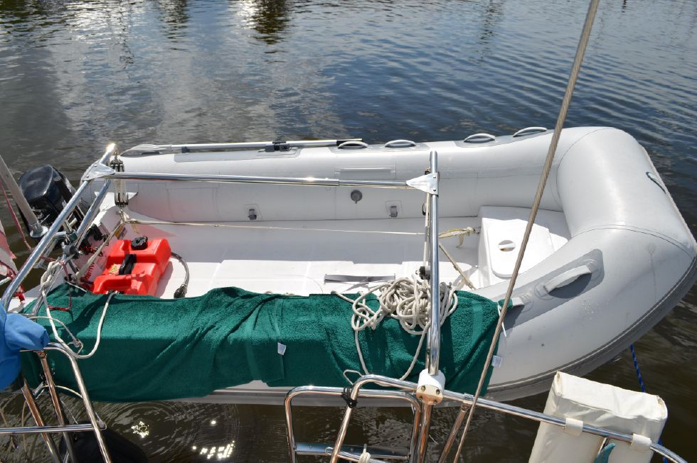 Beneteau 36 CC New Dinghy