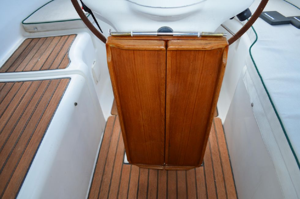 Beneteau 36 CC Cockpit Table Folded