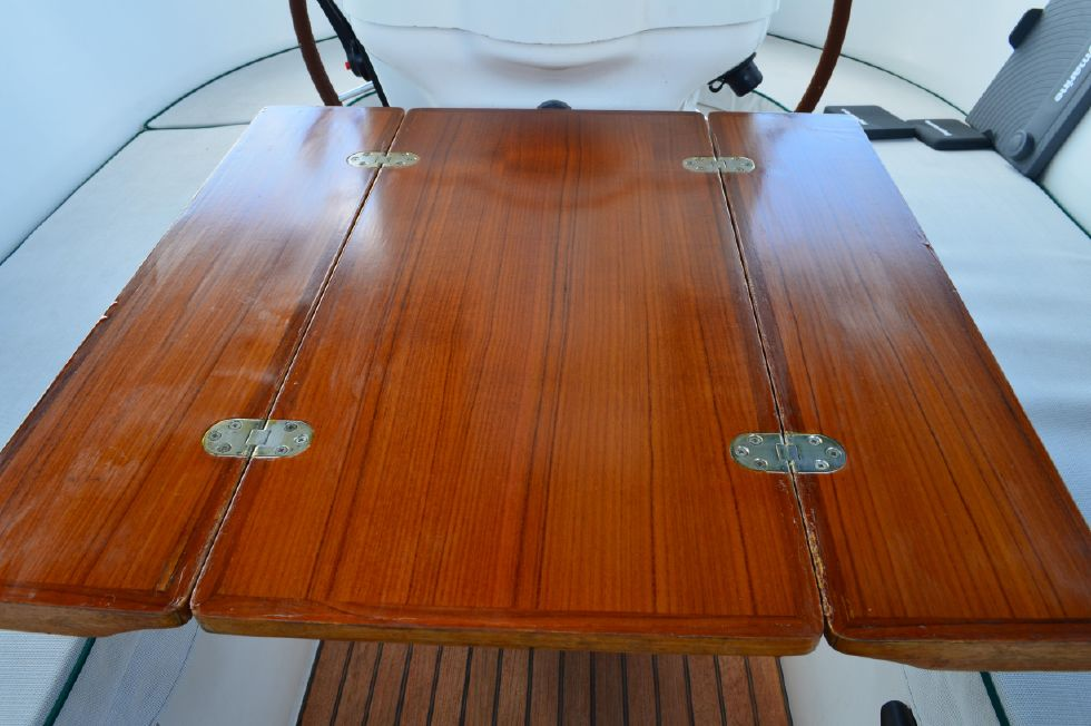Beneteau 36 CC Cockpit Table Up