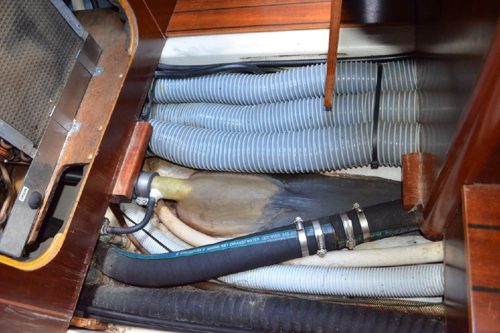 Beneteau 36 CC Shaft Through Hull