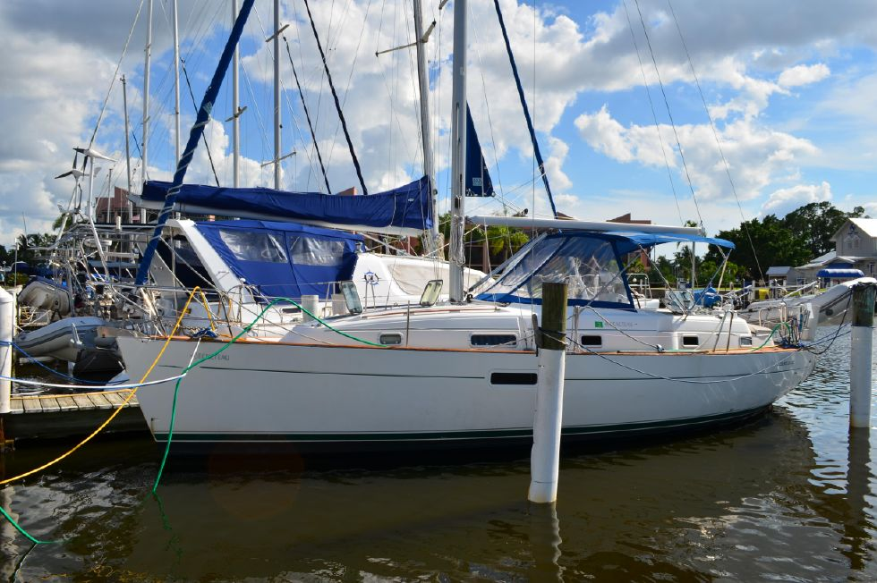 Beneteau 36 CC At the Dock