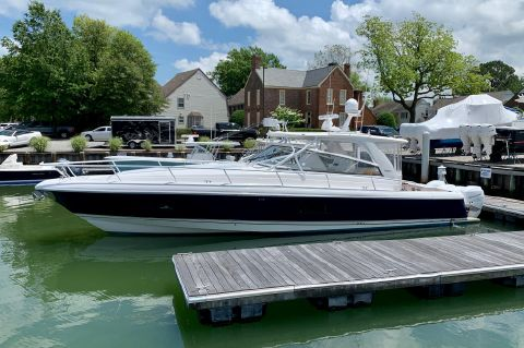 2010 Intrepid 475 Sport Yacht