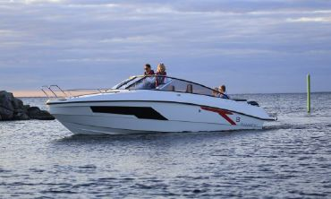 2021 Finnmaster T8 Day Cruiser