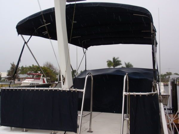 Flybridge covered