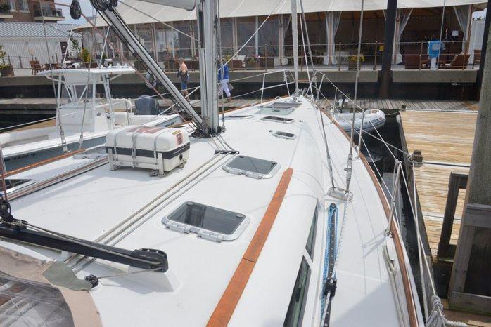 2005 Jeanneau BoatsalesListing Rhode Island