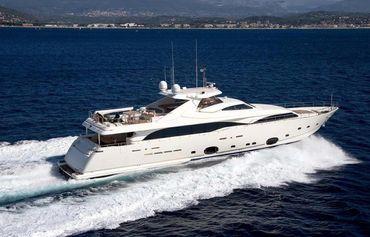 2008 Ferretti Yachts CL112