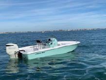 2021 Aquasport 230 Pro Bay