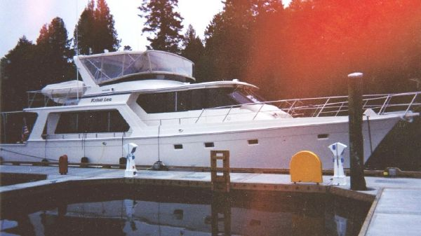 Offshore 58 Pilothouse 58 Offshore 1996 at dock