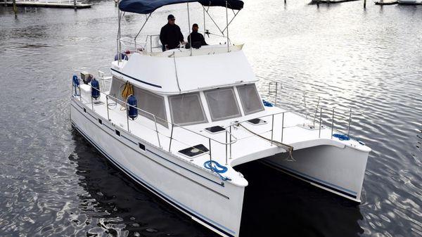 PDQ 34 Power Catamaran