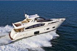 2015 Ferretti Yachts 800