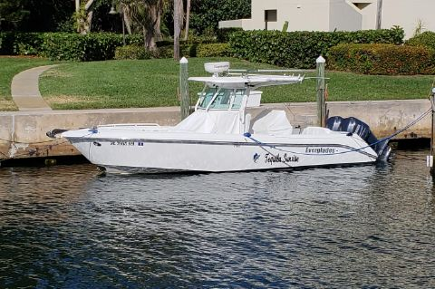 2009 Everglades 270CC - Port side