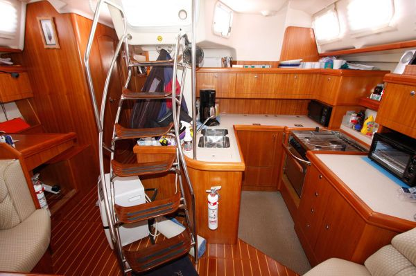 2002 Hunter 456 - Galley 1