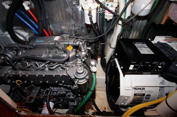 2002 Hunter 456 - Yanmar and Genset
