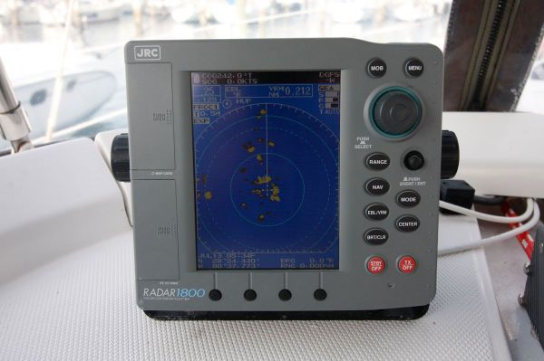 2002 Hunter 456 - Radar and back up Chartplotter
